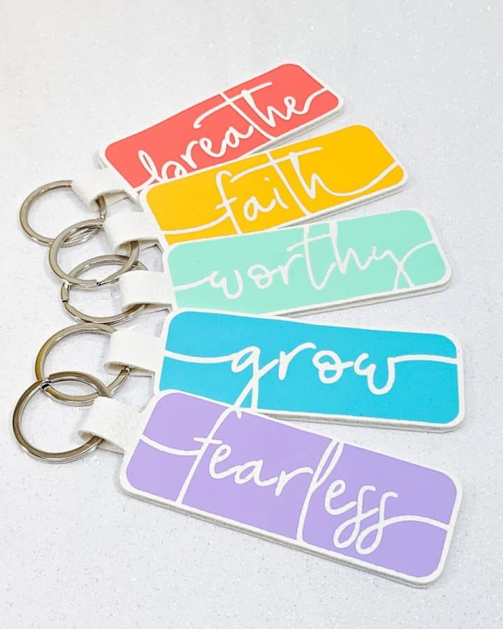 DIY Cricut Word of the Year Keychain Craft