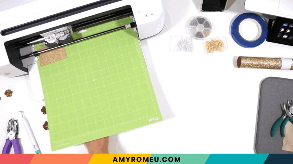 cutting vinyl mat using Cricut Maker