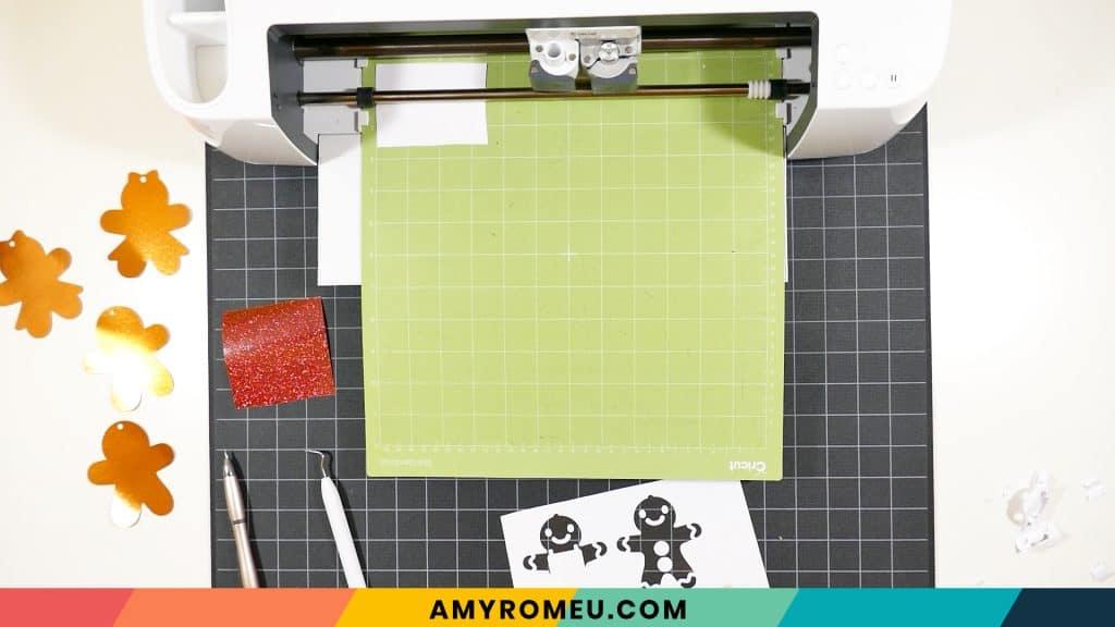 cutting and weeding vinyl mats