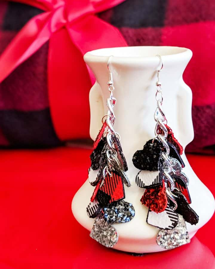 Cricut Buffalo Plaid DIY Earrings