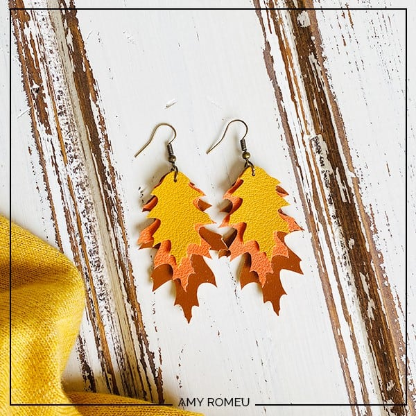 Fall Leaf Earrings - Faux Leather Cricut DIY