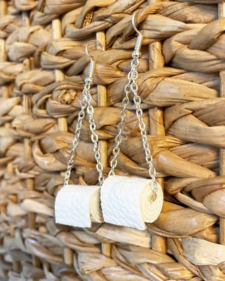 DIY toilet paper earrings